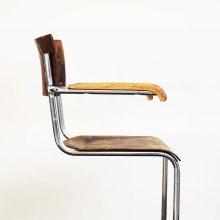 Chromovaná židle s područkami