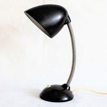 Stolní lampa v černém