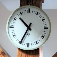 Nástěnné hodiny Pragotron II.