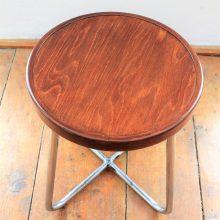 funkcionalistická stolička od firmy Mora