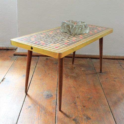 Brussels tea table
