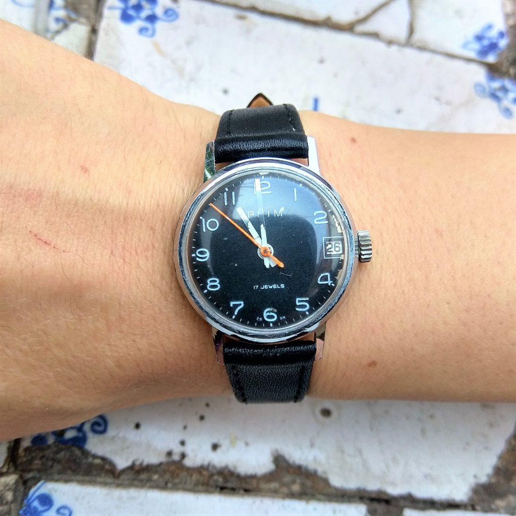 9e3ecde31 unisex náramkové hodinky Prim s manuálním nátahem - odvěci